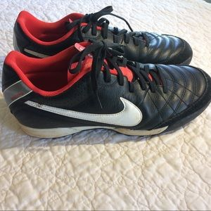 Nike Tiempo Soccer Shoes Size 8